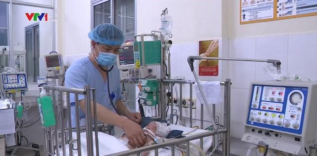 Trẻ sơ sinh điều trị tại BV Nhi Trung ương.